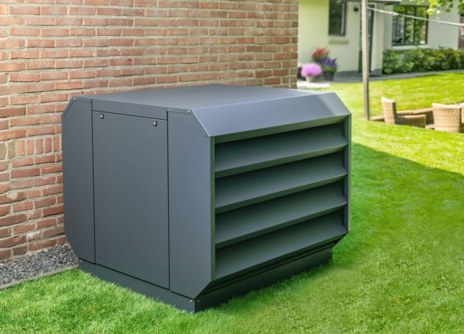 Geluiddempende omkasting lucht/water warmtepomp